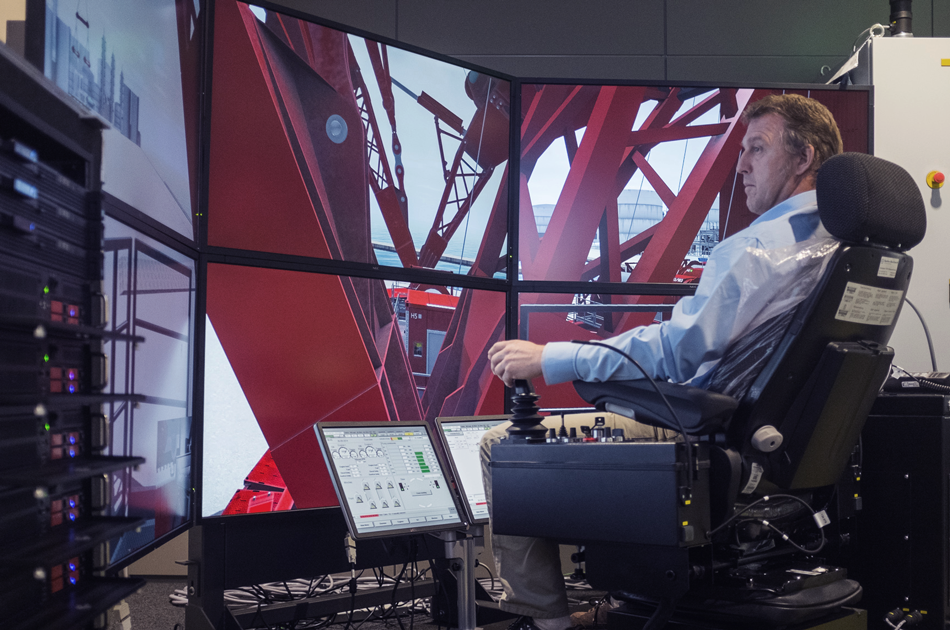 mammoet customer on a simulator